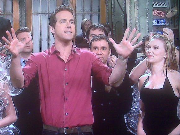 Scarlett Johansson Joins Ryan Reynolds For SNL VIDEO