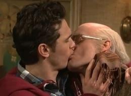 Gay tonge kissing