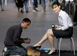 http://images.huffingtonpost.com/gen/129800/thumbs/s-SHOESHINE-large.jpg