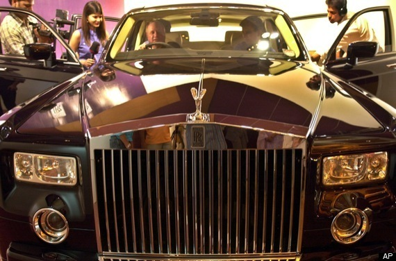 Shaq Buys LeBron Rolls Royce Phantom For Birthday (VIDEO ...