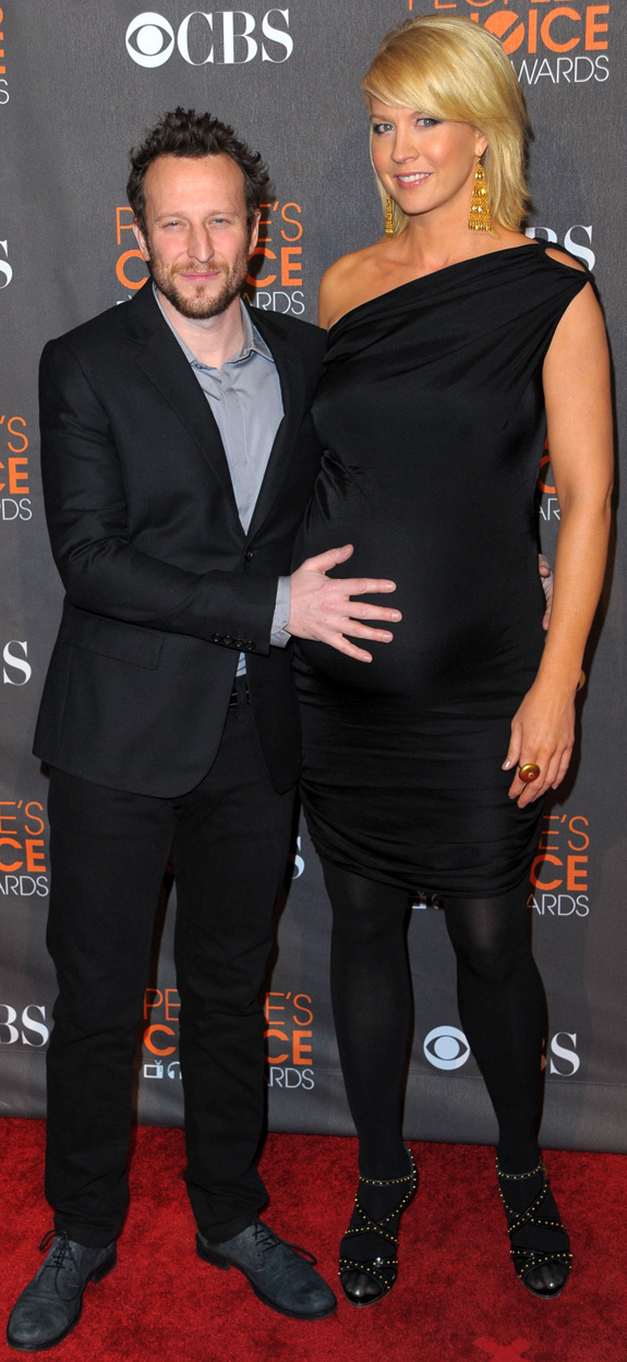 jenna elfman peoples choice awards a very pregnant date
