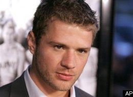 http://images.huffingtonpost.com/gen/16259/thumbs/s-RYAN-PHILLIPPE-BABY-large.jpg