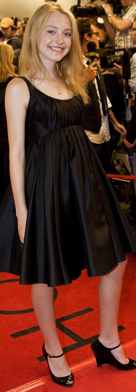 Dakota Fanning + Elle Fanning