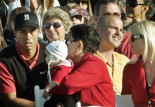 tiger woods u0026 39  daughter sam watches dad win
