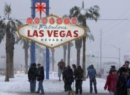 LAS VEGAS SNOW Strip Covered