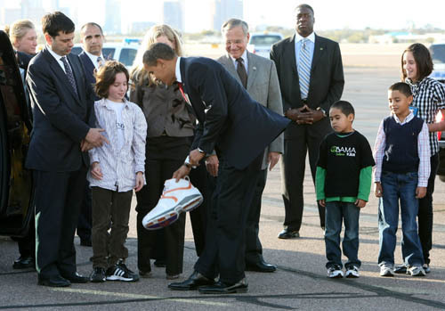 Obama Gets Autographed Shaquille O'Neal Sneaker (PHOTOS