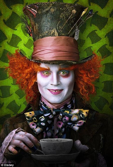 Johnny Depp As Mad Hatter, Helena Bonham Carter's Red Queen And Anne